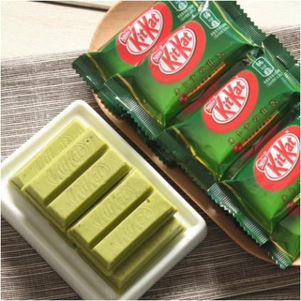 日本kitkat抹茶巧克力夹心威化饼135g 12枚入 宇治抹茶